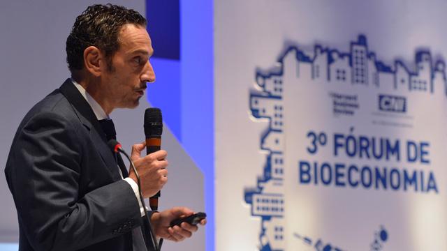 """""""75% da indústria europeia investiram 3,7 bilhões de euros em parcerias público-privadas que desenvolvem pesquisas de exploração oceânica para geração de energia, agricultura sustentável e inovação em áreas correlatas"""" - Piero Venturi"""